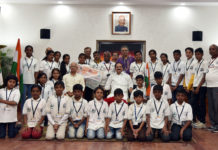 The Vice President, Shri M. Venkaiah Naidu with the students of a trekking expedition 'Sahyadri to Himadri' from Vasavi School in Shivamoga, Karnataka, organised by Samskrita Bharati, in New Delhi on May 08, 2019.