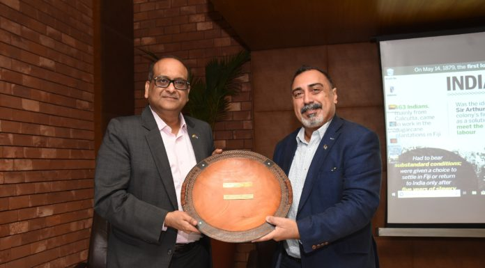 """L- R Mr. Harsh Vardhan Patodia, newly appointed Honorary Consul of the Republic of Fiji in Kolkata being felicitated by His Excellency Yogesh Punja, Honorable High Commissioner of the Republic of Fiji to India at a Press conference to announce """"the initiatives and future plans to strengthen India- Fiji trades in Kolkata"""""""