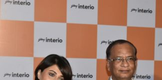 GODREJ INTERIO STORE- SWASTIKA MUKHERJEE WITH SUBODH MEHTA,VP-B2C, GODREJ INTERIO AT THE INAUGURATION OF NEW STORE AT JOKAGODREJ INTERIO STORE- SWASTIKA MUKHERJEE WITH SUBODH MEHTA,VP-B2C, GODREJ INTERIO AT THE INAUGURATION OF NEW STORE AT JOKA