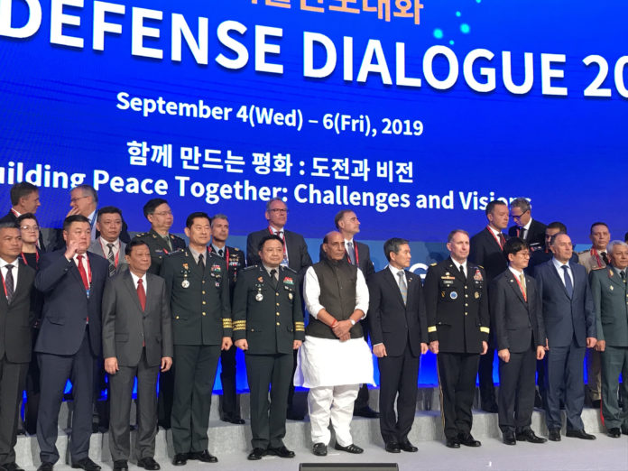 The Union Minister for Defence, Shri Rajnath Singh with the delegates of 'Seoul Defense Dialogue 2019', in Seoul on September 05, 2019.