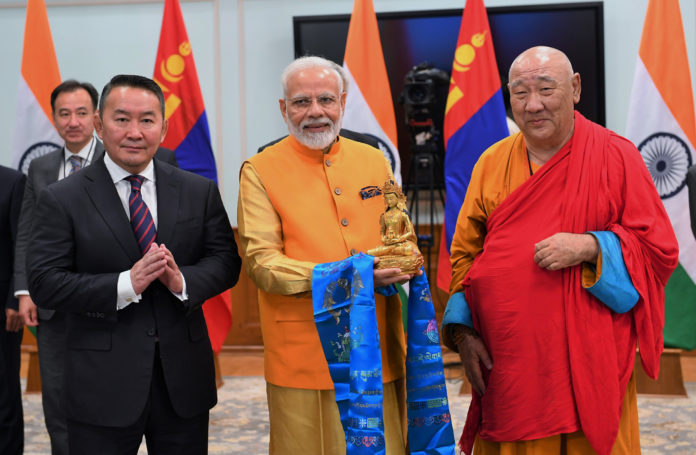 The Prime Minister, Shri Narendra Modi and the President of Mongolia, Mr. Khaltmaagiin Battulga jointly unveiled a statue of Lord Buddha and his two disciples, installed at the historic Gandan Tegchenling Monastery in Ulaanbaatar, at a function, in New Delhi on September 20, 2019.
