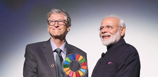 The Prime Minister, Shri Narendra Modi receiving the Goalkeepers Global Goals Award 2019 conferred by Gates Foundation, in New York, USA on September 24, 2019.