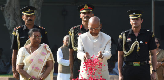 The President, Shri Ram Nath Kovind paying floral at the Samadhi of the former Prime Minister, Shri Lal Bahadur Shastri, at Vijay Ghat, in Delhi on October 02, 2019.