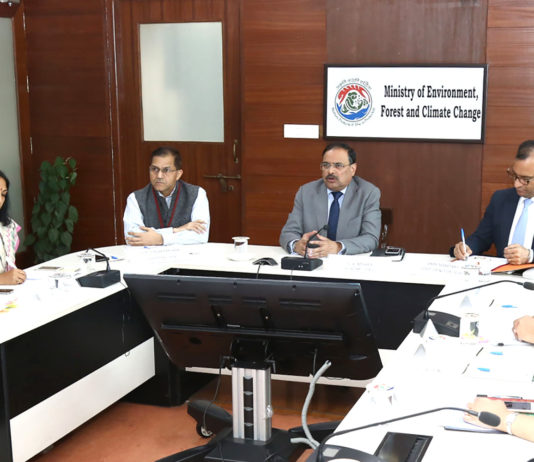 The Secretary, Ministry of Environment, Forest and Climate Change, Shri C.K. Mishra chairing the high-level meeting on air pollution, in New Delhi on November 18, 2019.
