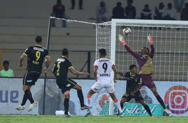 Manvir Singh of FC Goa score goal during match 34 of the Indian Super League ( ISL ) between Hyderabad FC and FC Goa held at the G.M.C. Balayogi Athletic Stadium, Hyderabad, India on the 8th December 2019. Photo by: Arjun Singh / SPORTZPICS for ISL