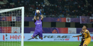 Francisco Dorronsoro goalkeeper of Odisha FC saves during match 53 of the Indian Super League ( ISL ) between Odisha FC and Chennaiyin FC held at the Kalinga Stadium, Bhubaneswar, India on the 6th December 2020. Photo by: Deepak Malik / SPORTZPICS for ISL