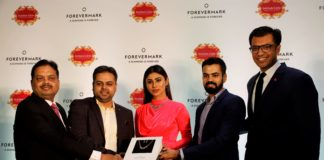 Filmstar Mouni Roy, Mr. Pramod Dugar, Chairman, Mr Prayas Dugar, MD, Mr Pratik Dugar, Direct of Indian Gem and Jewellery Creation and Sachin Jain, President, Forevermark
