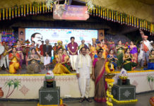 The Vice President, Shri M. Venkaiah Naidu with the artists at the inauguration of the 10th anniversary celebrations of Muppavarapu Foundation and Sankranti Sambaralu, in Hyderabad on January 09, 2020.