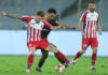Seiminlen Doungel of FC Goa and Armando Sosa Pena of ATK in action during match 62 of the Indian Super League ( ISL ) between ATK and FC Goa held at the Vivekananda Yuba Bharati Krirangan, Kolkata, India on the 18th January 2020. Photo by: Deepak Malik / SPORTZPICS for ISL