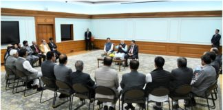 PM meets 24 member delegation from J&K's Apni Party