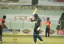 Manoj Tiwary hit a swashbuckling 39-ball 61