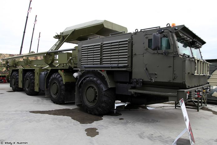 15T528 transporter-loader missile vehicle for ICBMs on KAMAZ-78501 Platforma-O chassis - Photo by Wkipedia