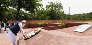 The Prime Minister, Shri Narendra Modi laying wreath at the National Martyr's Memorial, Savar, in Dhaka, Bangladesh on March 26, 2021.